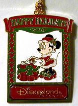 Disney  DLR Minnie Christmas 2001 Ornament pin/pins