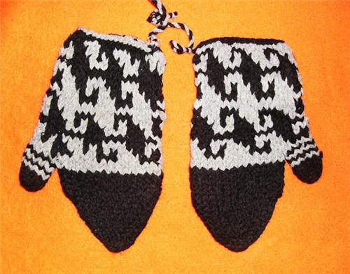 Handmade Knit Hippie Boho Pakistan Ecuador Alpaca Wool Blend Mittens