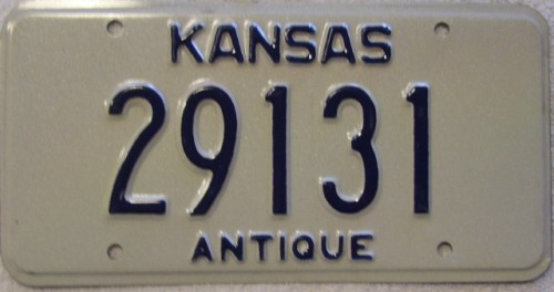OLD VINTAGE ANTIQUE AND CLASSIC TEXAS LICENSE PLATES