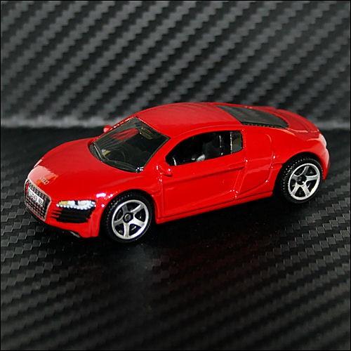 Matchbox 2011 Sports Cars Audi R8 Brilliant Red Diecast