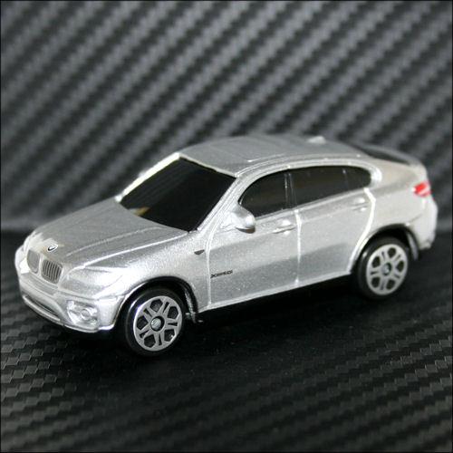 Maisto Fresh Metal 1:64 BMW X6 SUV Silver