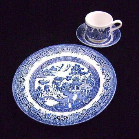 Churchill Classic Blue Willow 3 Piece Dinnerware Set