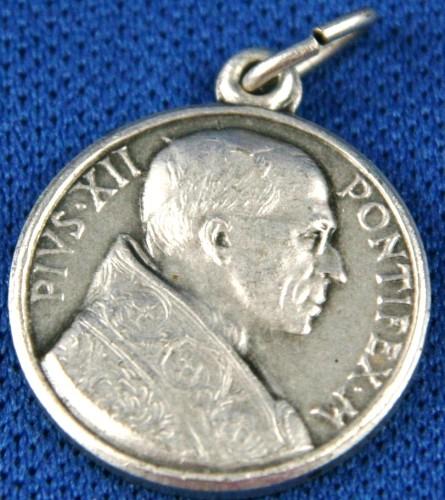 B39-42A_medal.JPG