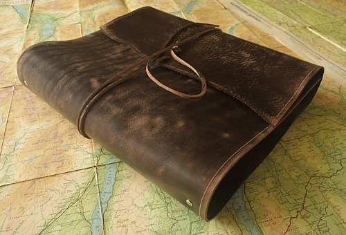 A4 DISTRESSED DARK BROWN LEATHER WRAP BINDER - EARTHWORKS JOURNALS A4WB001 A