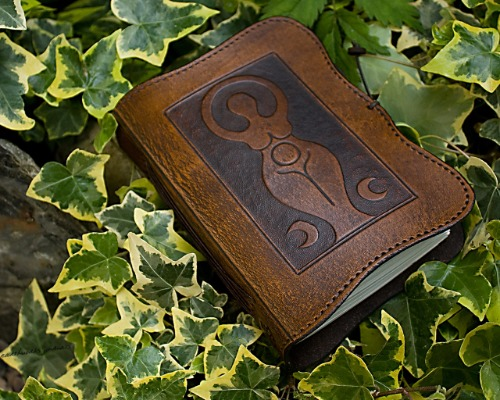 A6 MOON PHASE GODDESS LEATHER JOURNAL - EARTHWORKS JOURNALS A6C007 A 4X5
