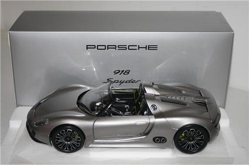 minichamps porsche 918 jak 39 s model cars. Black Bedroom Furniture Sets. Home Design Ideas