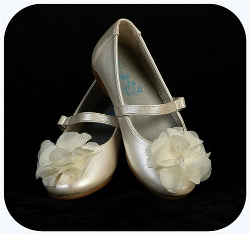 Infant & Toddler Girls Ivory Dress Shoes Flats w. Fabric Flower