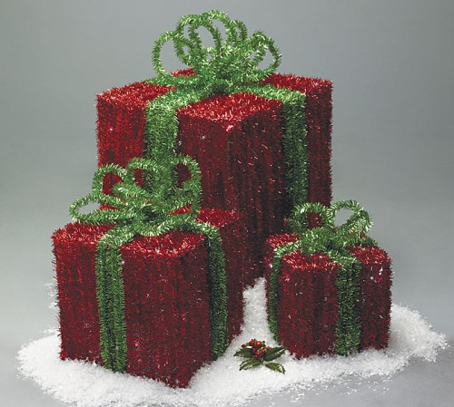Light-Up-Christmas-Boxes-Red-Green-Indoor.jpeg
