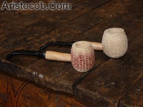 Neked Diplomat Apple Natural Unfinished Missouri Meerschaum Corn Cob Pipe from Aristocob