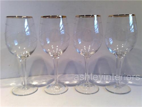 Gold Trim Wine Glasses