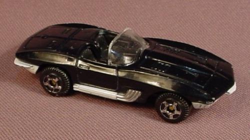 Motor Max 1961 Chevrolet Corvette Mako Shark Black Convertible