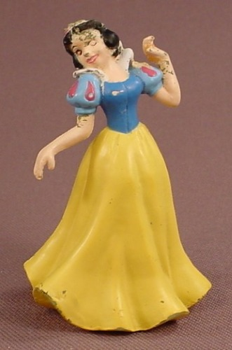 Disney Snow White Leaning To One Side PVC Figure, 2 5/8 Inches Tall, Figurine