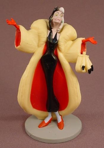 Disney 101 Dalmatians Cruella De Vil Villain PVC Figure On A Round Gray Base Or Stand