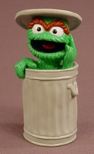 Sesame St Oscar The Grouch In A Garbage Can With The Lid On His Head Pvc Figure 2 7 8 Inches Tall