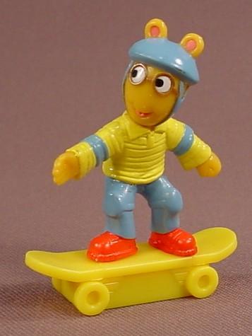 Arthur Wearing A Helmet & Riding A Skateboard Figure, 2 3/8 Inches Tall, 2004, PBS TV Show