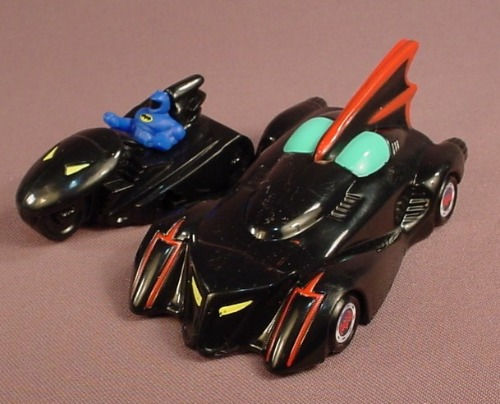 Batman The Brave And The Bold Batmobile, 4 5/8 Inches Long, 2010 McDonalds, Has A Pull Back Motor