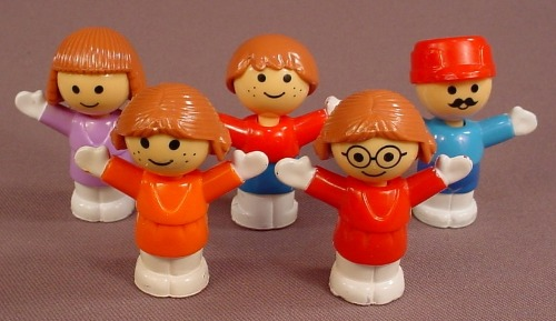 Playmates Replacement Set Of 5 Hard Plastic Figures For A 1986 Disneyland Or Amusement Park Set