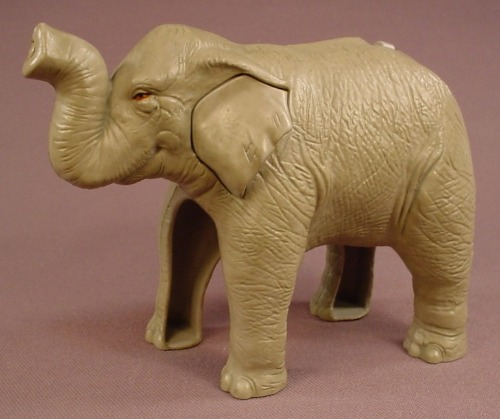 Burger King 2010 Kinectimals Elephant Water Squirter Animal Figure, 5 1/4 Inches Long