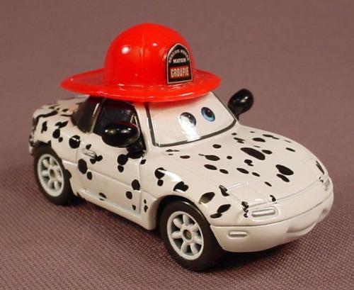 Disney Pixar Cars Movie Diecast Mia Dalmatian Dog Car 2 5 8