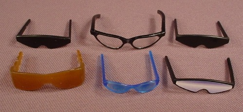 Barbie Doll Size Lot Of Sunglasses & Glasses Accessories