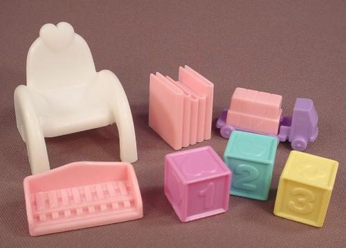 Barbie Kelly 7 Piece Lot Of Accessories From A Nursery School Set #67535, 1997 Mattel