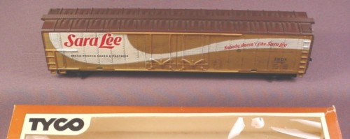 Tyco Ho Scale Sara Lee 62 Foot Reefer Car Erdx 10061, Model #360A, Railroad Train