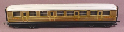 Hornby Oo Scale Gauge Flying Scotsman Lner Composite Coach Car, Teak 22357