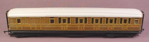 Hornby Oo Scale Gauge Flying Scotsman Lner Composite Coach Car, Teak 4237