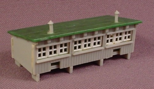 N scale gauge model power chicken coop building from 1517 for Model chicken set