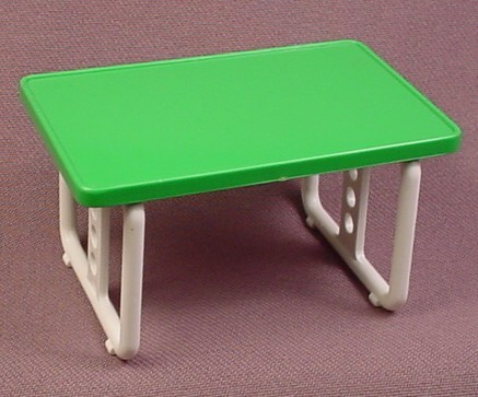 Playmobil green rectangular table with tubular white d for Table playmobil