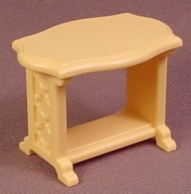 Playmobil tan or light yellow small table with curved Table playmobil