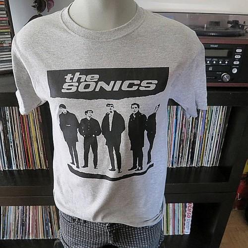 The sonics t shirt heather grey 13th floor elevators for 13th floor elevators shirt