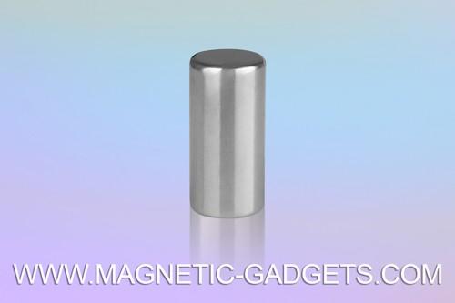 Long-Cylinder-Magnet-Montreal.jpeg