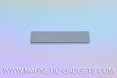 Thin-Rectangle-Plates-Magnet-Montreal.jpeg