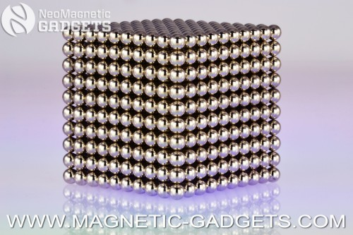 NeoMagnetic Mega-Cube-(1000-Magnetic-balls-plus-80-spares).jpeg