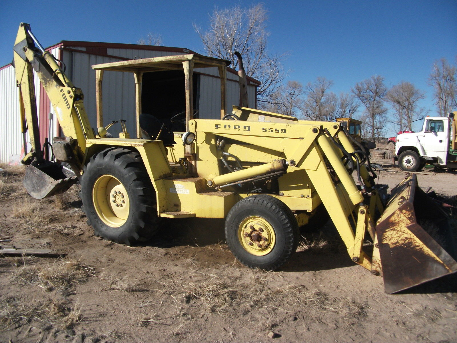 Ford 5500 Backhoe Transmission