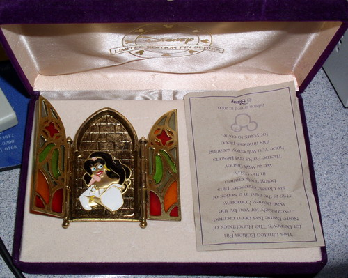 Disney Hunchback Esmeralda Pin Brooch Ltd Ed