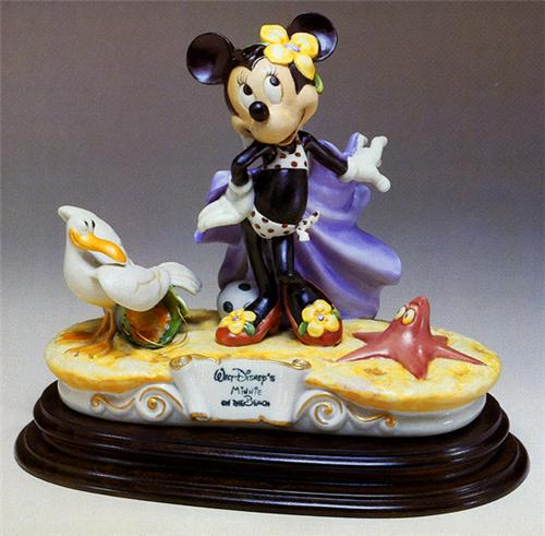 Disney Capodimonte Minnie Mouse at BeachLaurenz