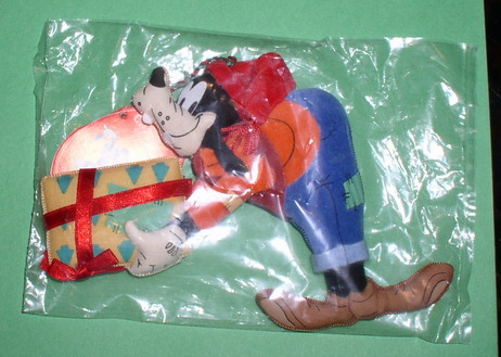 Disney Goofy Plush mint never used or played with