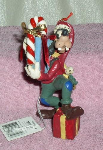 Disney Goofy Resin ornament figurine