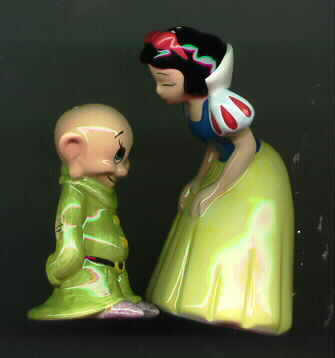 Disney Snow White & Dopey - Salt & Pepper