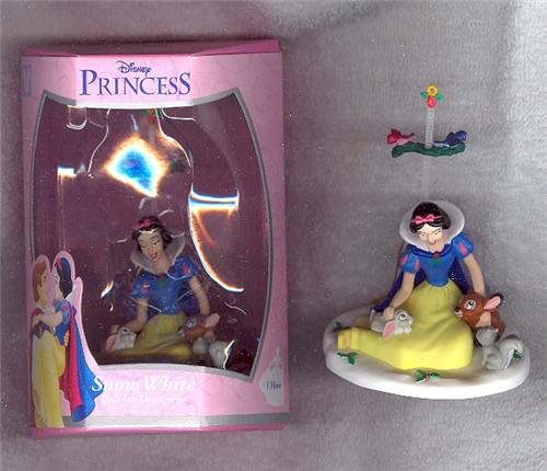 Disney Snow White Ornament movable with friends rare