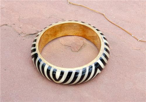tej bangle metres blwh stripe.JPG 7/5/2009