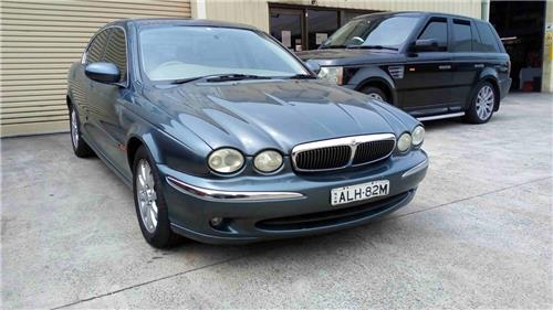 SOLD - JAGUAR 2001 X-TYPE 2.5 ltr 130,818 km Books - NEEDS MINOR WORK - **NO RESERVE**