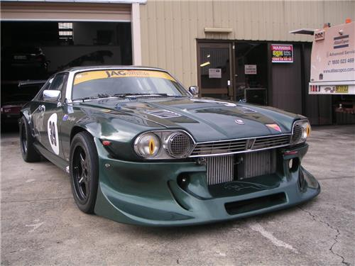 SOLD - JAGUAR XJS 1977 V12 TWIN TURBO Race car - had a fire in back half + Spare body