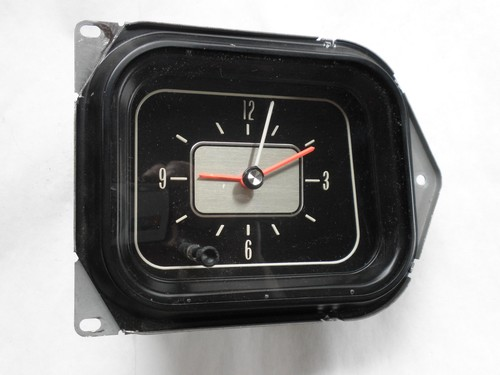 1970 Oldsmobile clock 131017 (1).jpeg