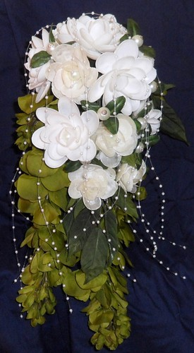 cascading%20wedding%20bouquet%20white%20cream%20flowers%20seashell%20crafts.jpeg