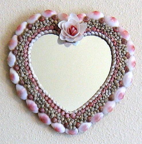 seashell%20crafts%20mirror%20home%20decor%20wall%20hanging.jpg