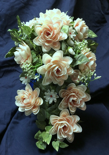 seashell%20wedding%20nautical%20flowers%20cascading%20bouquet%20pink