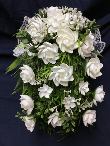 seashell%20crafts%20cascading%20wedding%20white%20flowers%20bouquet%20artificial